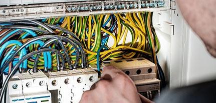 Travail électricien