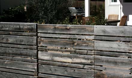 clôture en vbois de récupération