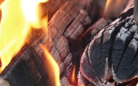 combustion bois dans cheminée