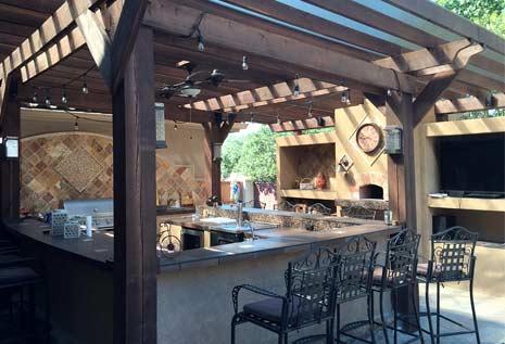 terrasse avec équipements de cuisine