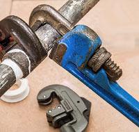 Outils du plombier professionnel