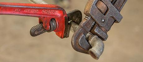 outils pour réparer canalisations