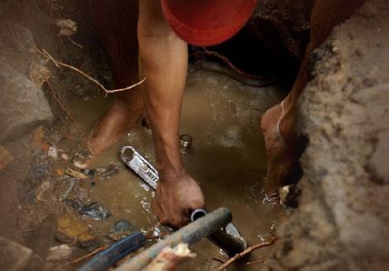 plombier en action