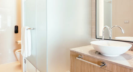 exemple de porte de douche semi opaque